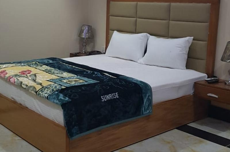 The King Hotel Multan