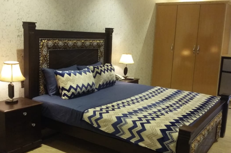 safari-royal-hotel-johar-town Premium Rooms