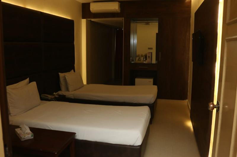 hotel-mayfair-lahore-Superior Double Room