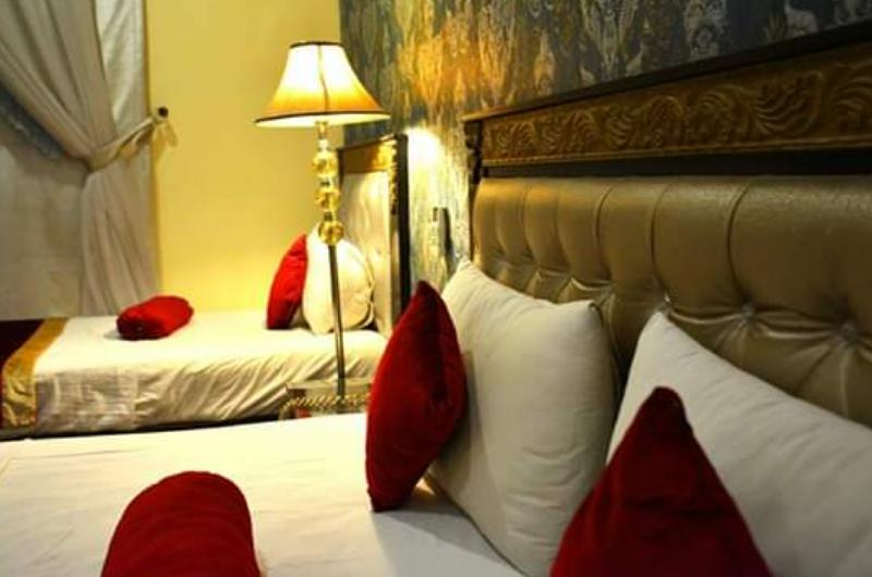 lahore-palace-hotel-Executive Room