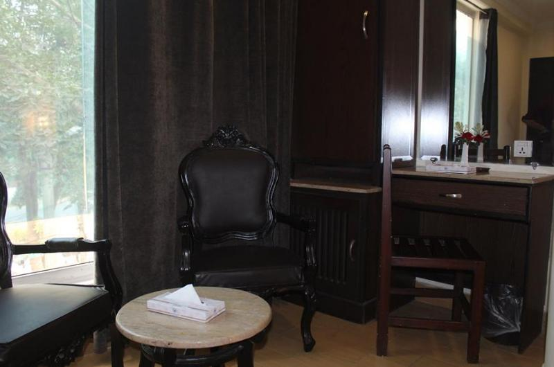 hotel-royal-lahore-Deluxe Double Room