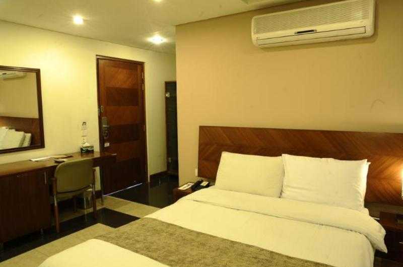 hotel-one-faisalabad-Deluxe Double Room (Single)
