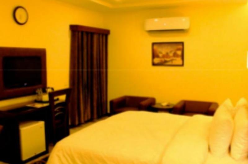 Hotel One D G Khan