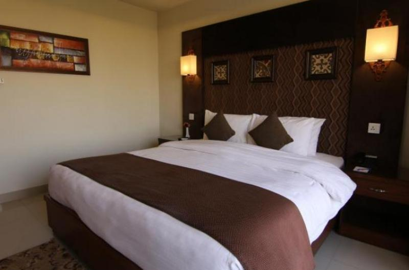 hotel-one-dg-khan-Deluxe Double Room (Single)
