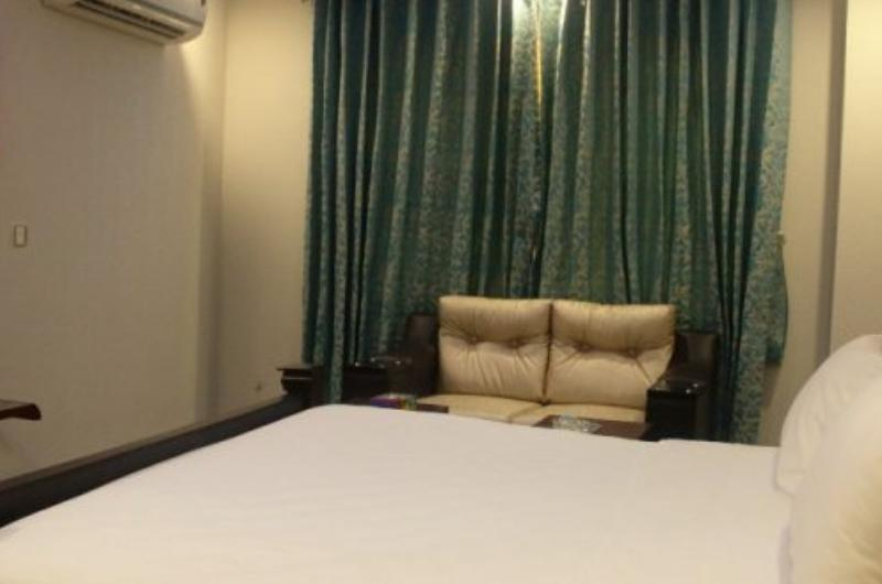 Pool and Park Hotel Lahore