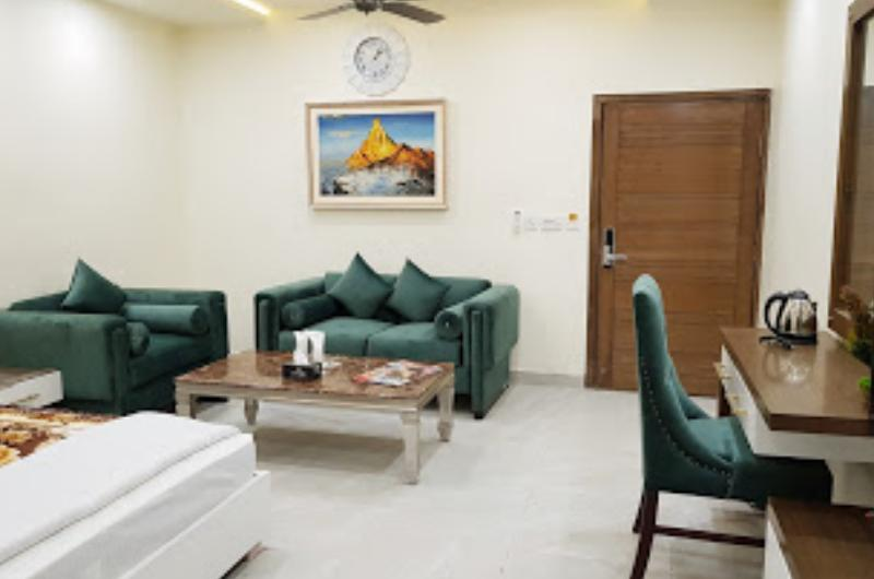 Hotel Avalon Suites Multan