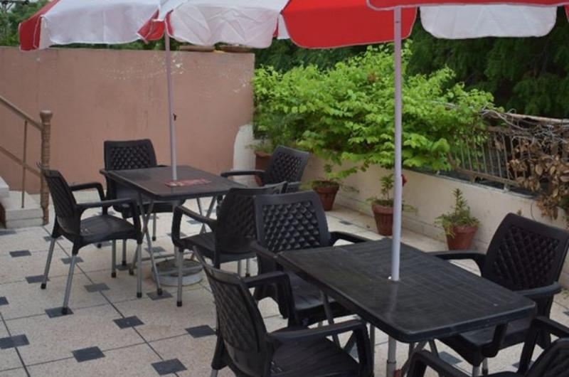 Safari Hotel Davis Road Lahore