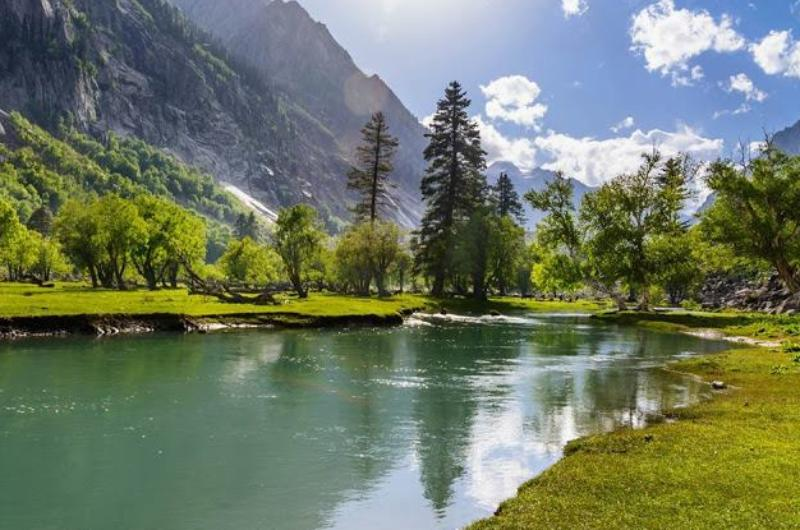 3 Days 2 Nights Deluxe Tour package to Kalam Swat