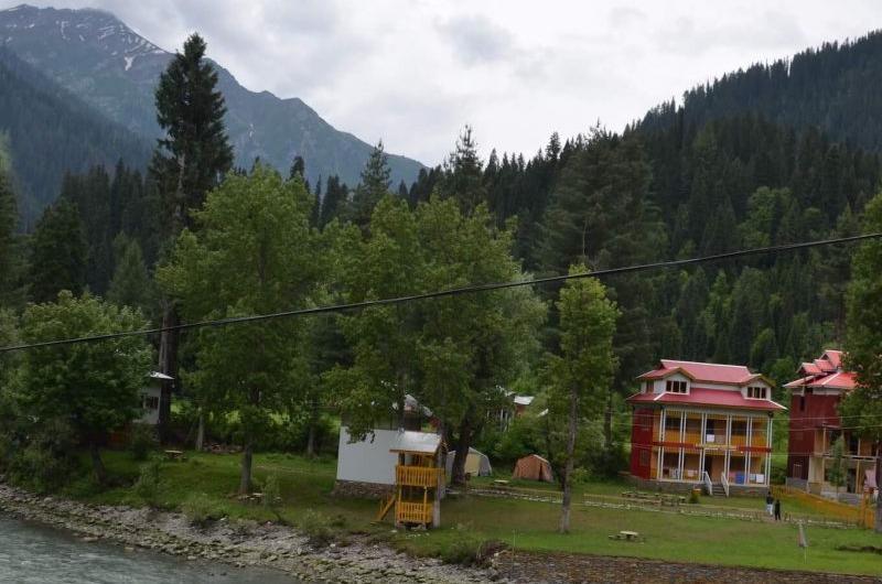 3 Days Trip to Neelum Valley Taobat (Kashmir)