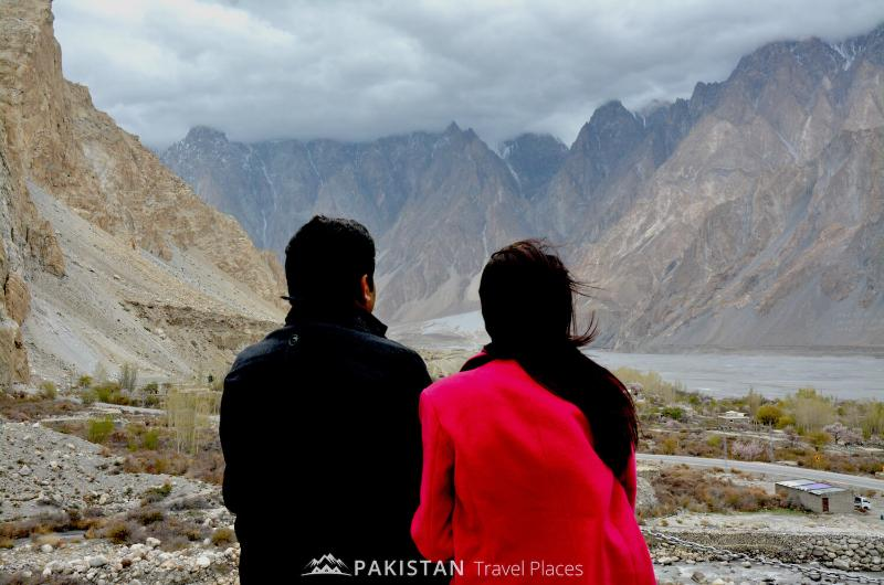 5 Days Honeymoon Tour to Hunza Valley