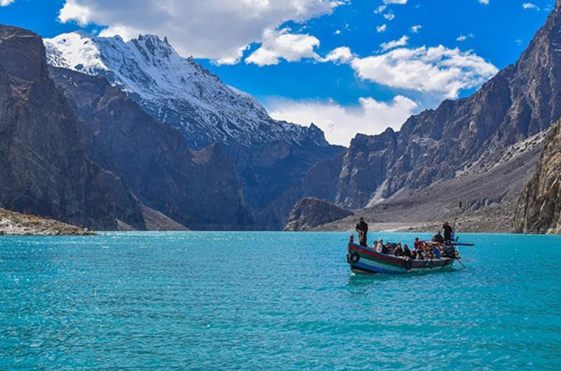 5 Days Trip To Snow Covered Hunza Valley & Naltar Lake