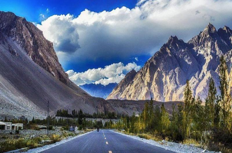 6 Days tour to Naran, Naltar & Hunza Valley (Honeymoon Tour)